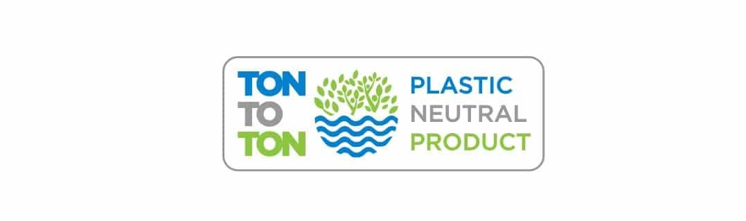 tontoton plastic badge