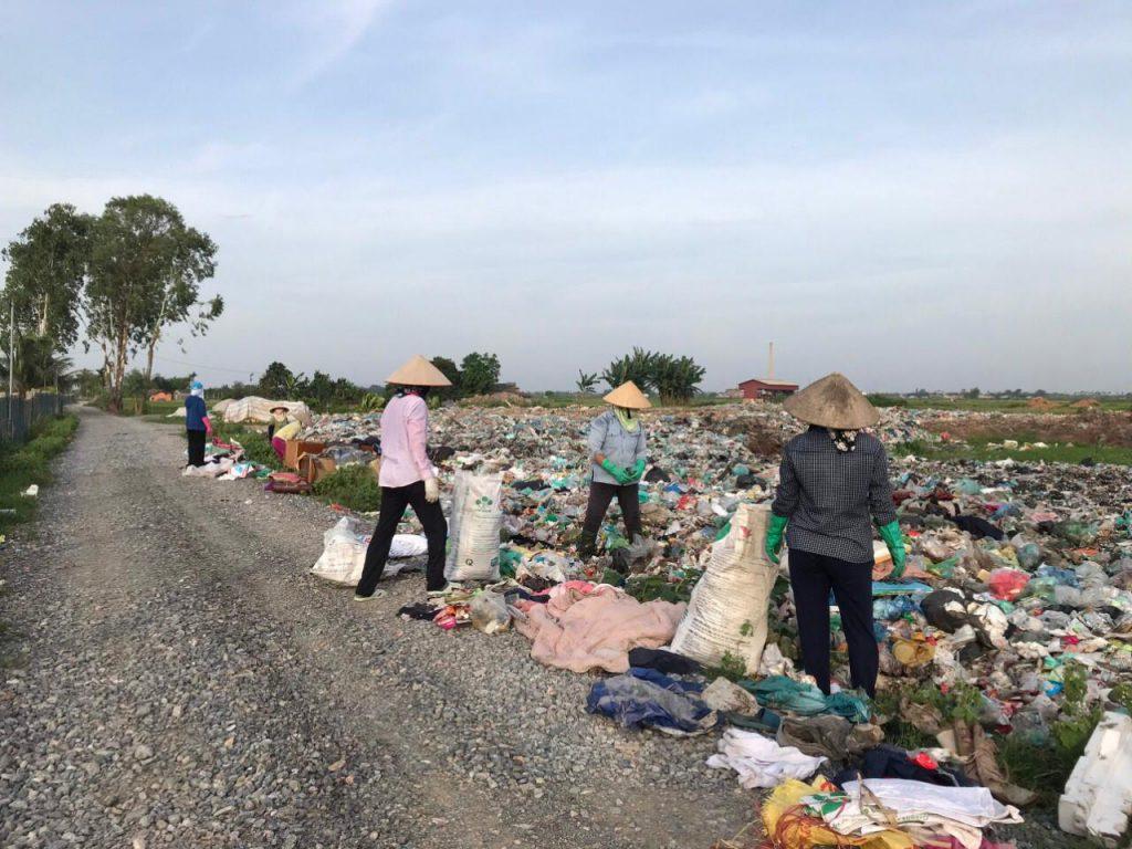 Hai Phong Waste Pickers - TONTOTON