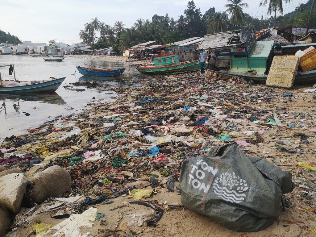 Vietnam litter